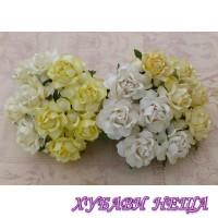Цветя от Мълбери хартия Кичеста Роза 25мм Микс Бяло/Кремaво 4бр