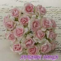 Цветя от Мълбери хартия Дива Роза 40мм Бяло с Беб. розово в центъра 5бр