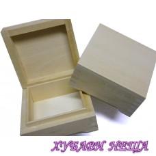 Дървена кутия- 9.5x9.5x4.5см.
